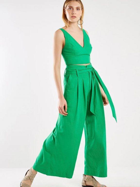 Calça pantalona e top cropped: saiba como combinar!