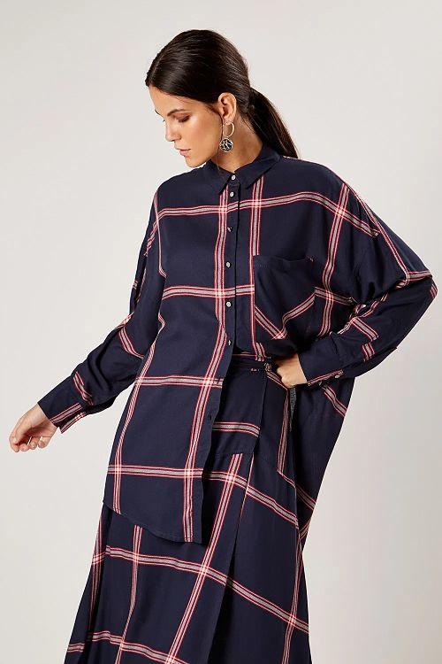 conjunto saia e camisa oversized xadrez