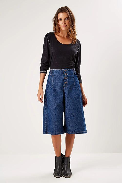 pantacourt jeans blusa manga longa preta